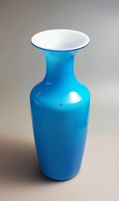Venini Italia, Murano, 1982 Opalini aquamarine glass vase